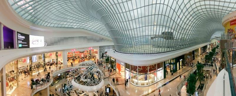 Atrium im Chadstone-Einkaufszentrum in Melbourne, Australien stockfotos