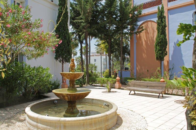 Atrium z fontanną fotografia stock