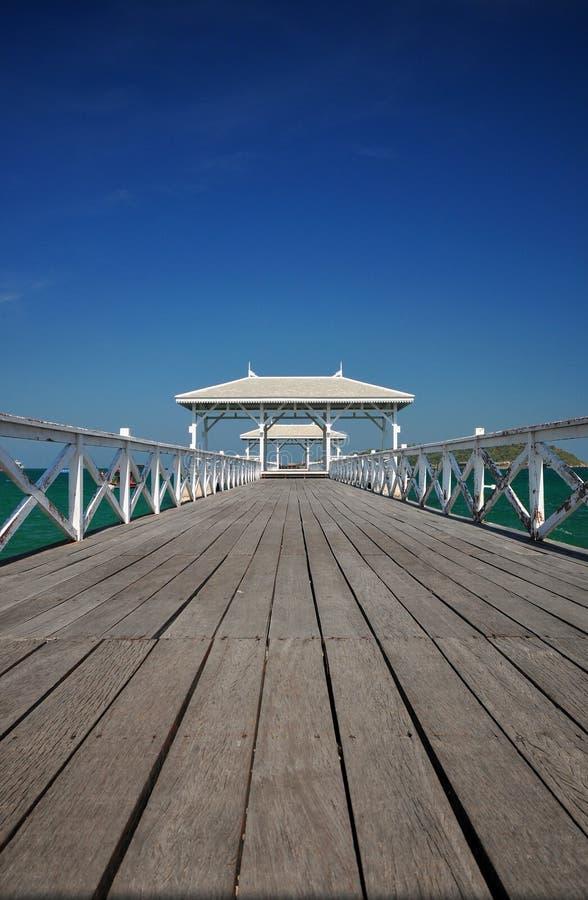 Atsadang Brücke, Thailand lizenzfreies stockbild