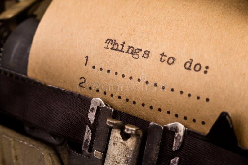 Att att göra listan som skrivas på skrivmaskinen royaltyfri fotografi