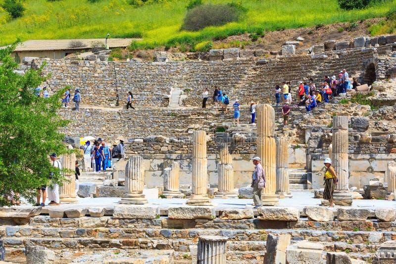 Att bes?ka f?r folk som ?r gammalt, f?rd?rvar av Ephesus, Turkiet arkivbilder