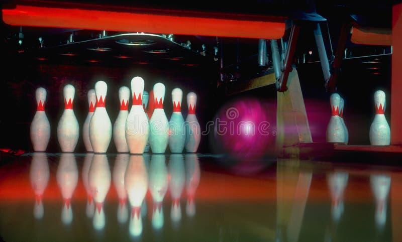 Download Att bowla går l5At s fotografering för bildbyråer. Bild av konkurrens - 44973