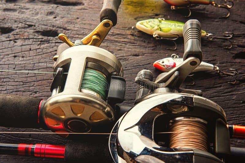 Att fiska lockar, krokar och tillbehör arkivfoto