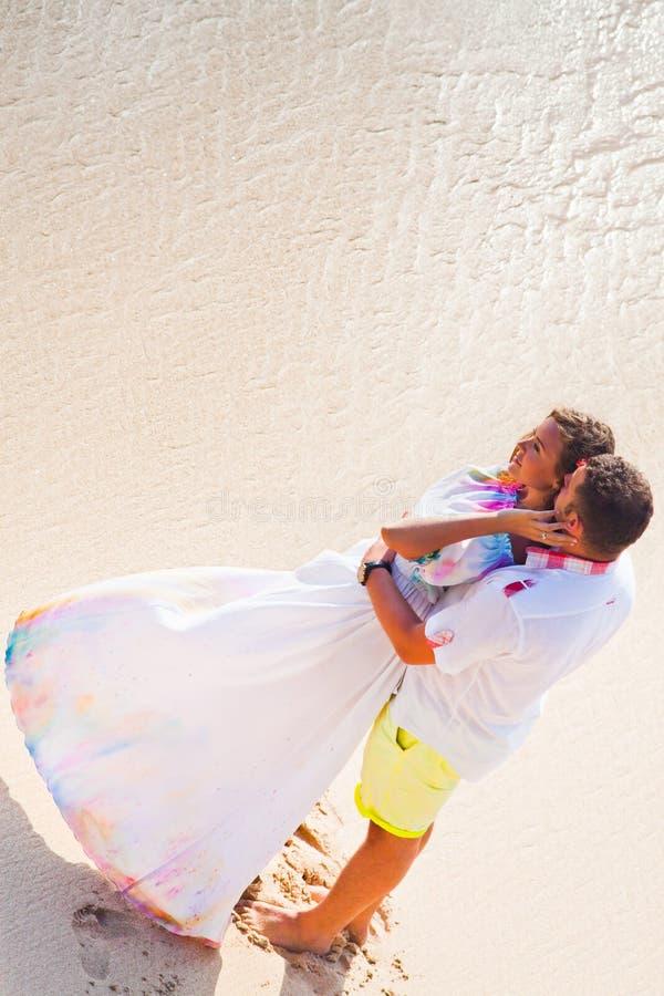 Att gifta sig kopplar ihop precis gift royaltyfria bilder