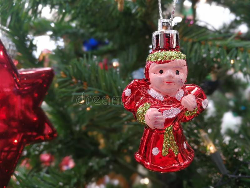 Attaccatura delle decorazioni di Natale fotografia stock libera da diritti