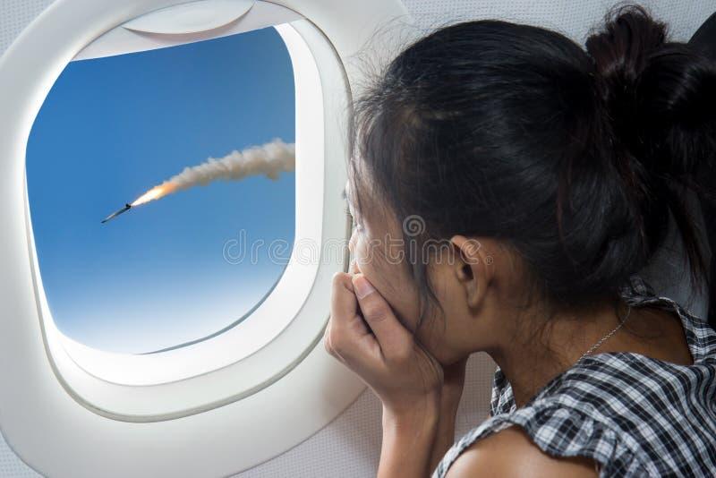 Attacco di missili sull'aereo fotografia stock