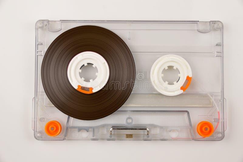 Attachez du ruban adhésif à la cassette sonore images stock