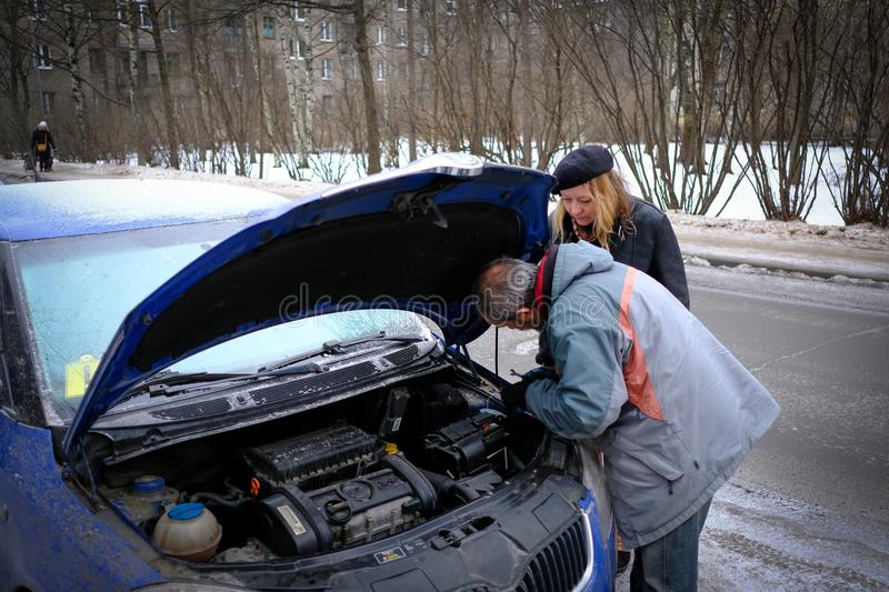 attempt to start the engine of the car with the sown battery using the method of lighting up royalty free stock photos