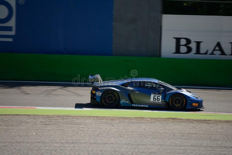 Attempto Lamborghini que compite con Huracan GT3 en Monza imágenes de archivo libres de regalías
