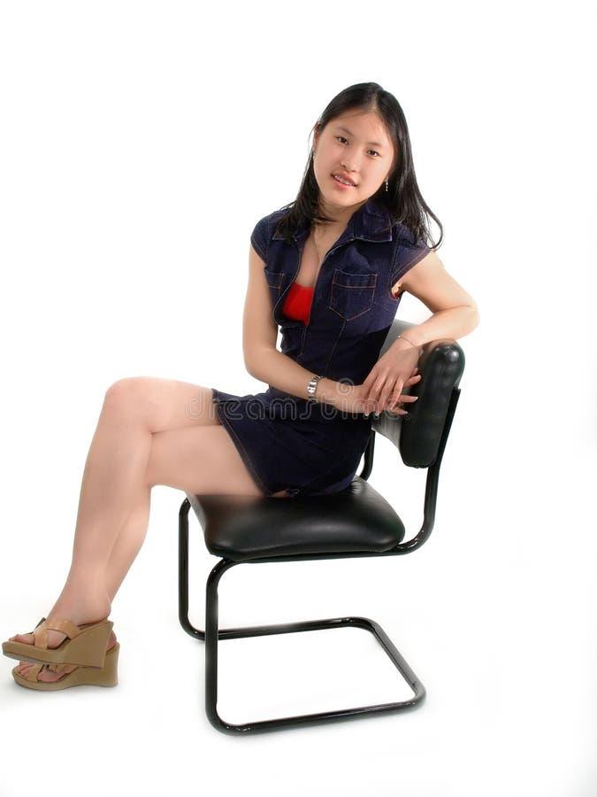 Attente asiatique de fille image libre de droits