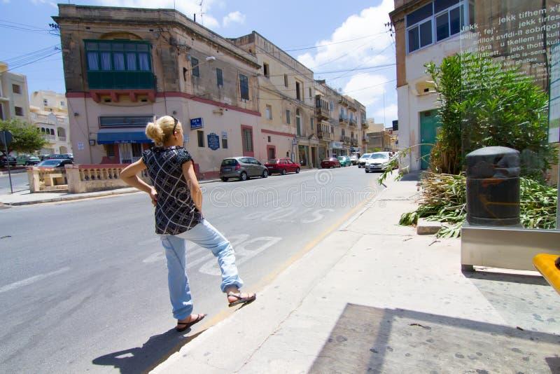 Attente de l'autobus à Malte photo libre de droits