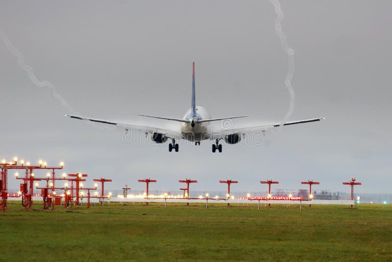 Atterrissage brumeux photographie stock