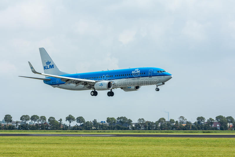 Download Atterrissage D'avion De Passagers De KLM Image éditorial - Image du poule, d0: 76086915