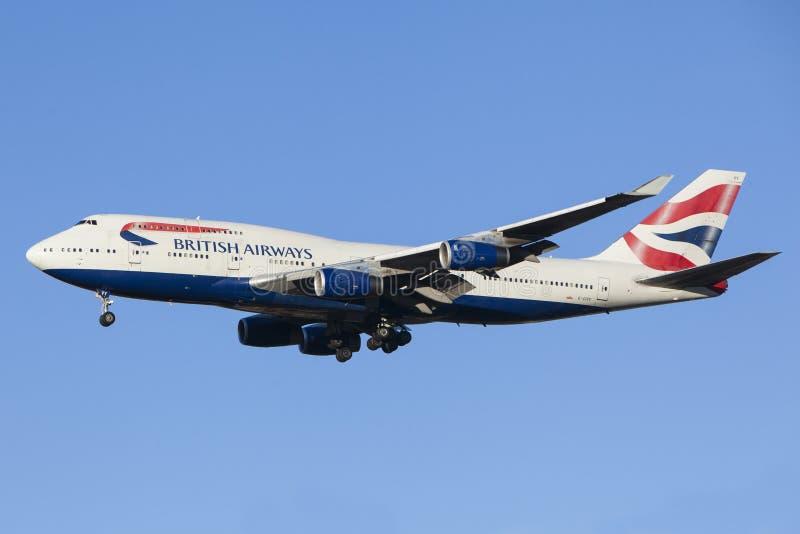 Atterrissage d'avions British Airways images stock