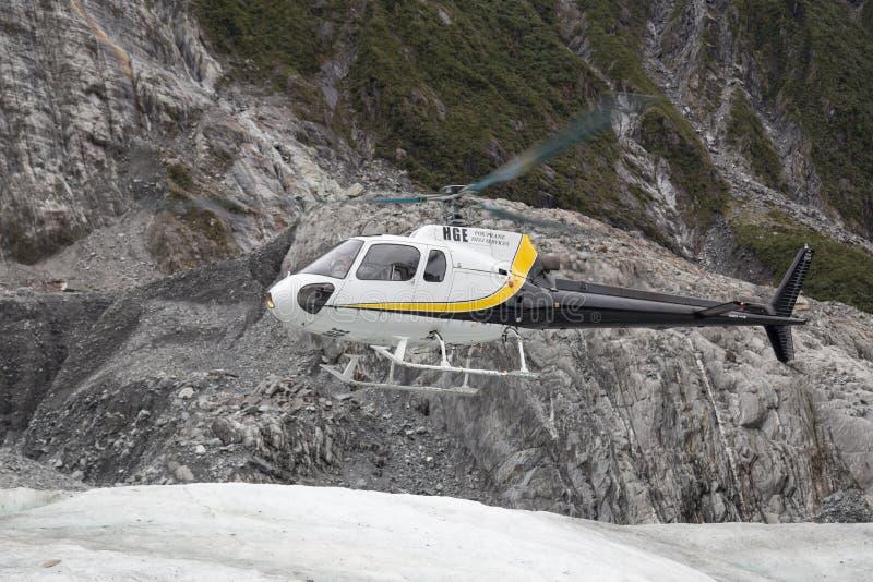 Atterrissage d'hélicoptère sur Franz Josef Glacier photos stock