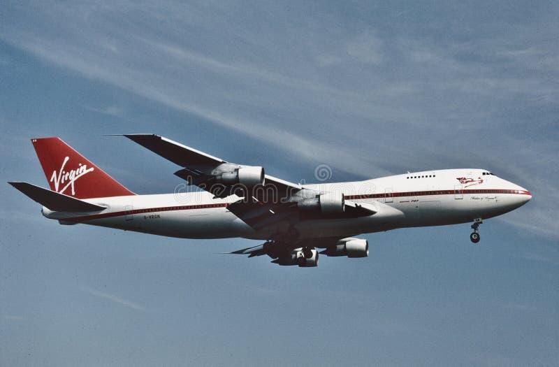 Atterrissage de Virgin Atlantic Airways B-747 à Los Angeles en août 1993 photo stock