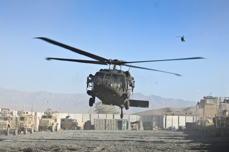 Atterrissage militaire d'hélicoptère des USA photo libre de droits
