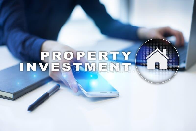 Attività d'investimento della proprietà e concetto di tecnologia Fondo di schermo virtuale fotografia stock libera da diritti