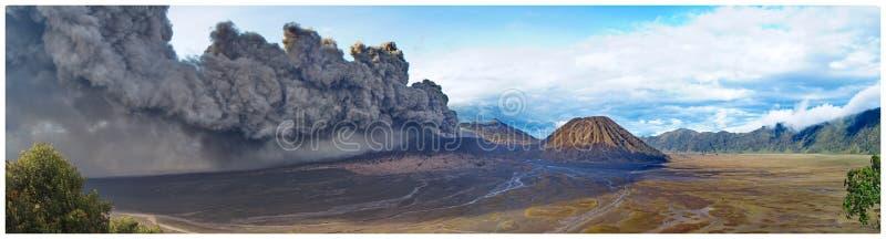 Attività dell'Indonesia Bromo del vulcano fotografie stock