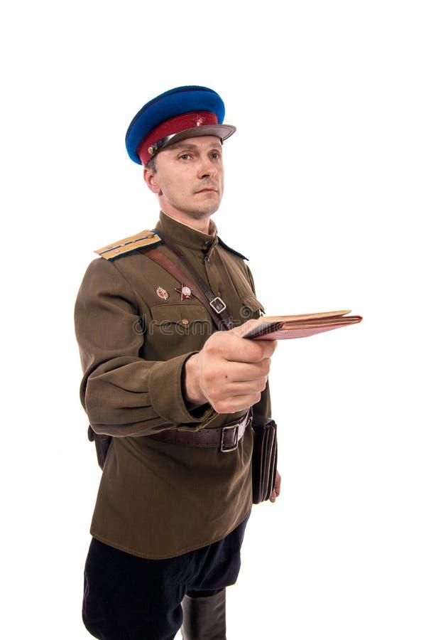 Attore dell'uomo sotto forma di commissariato del ` s di capitano People dell'ufficiale degli affari interni della Russia a parti fotografie stock libere da diritti