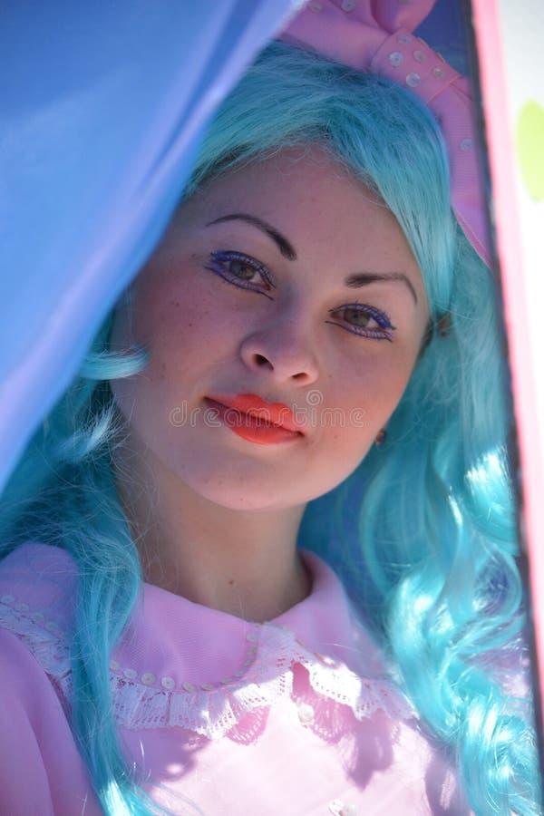 Attori ed attrici russi sulla fase del teatro del burattino immagini stock libere da diritti