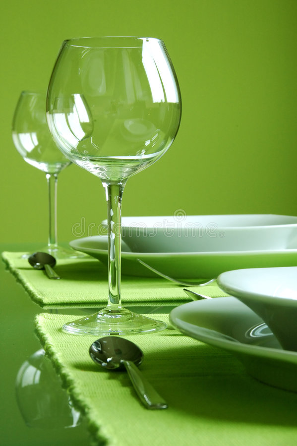 Free Attractive Green Table Setting Royalty Free Stock Image - 2204906
