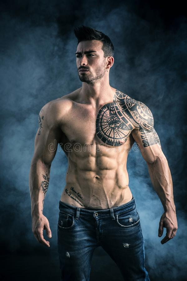 Free Attractive Shirtless Muscle Man In Studio Stock Images - 107696644