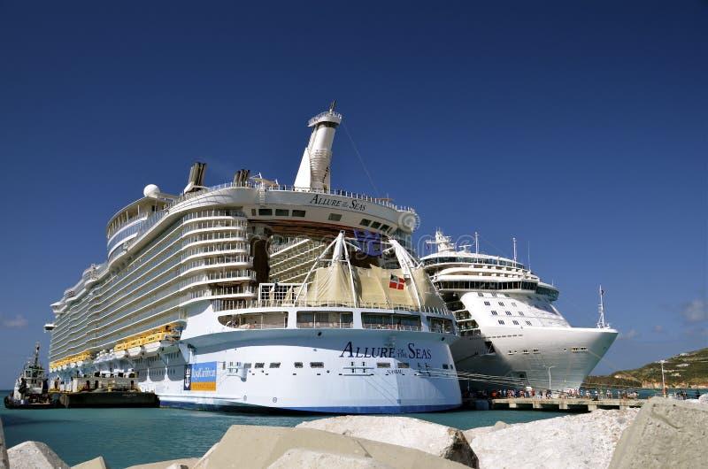 Attrait du bateau de croisière de mers photo libre de droits