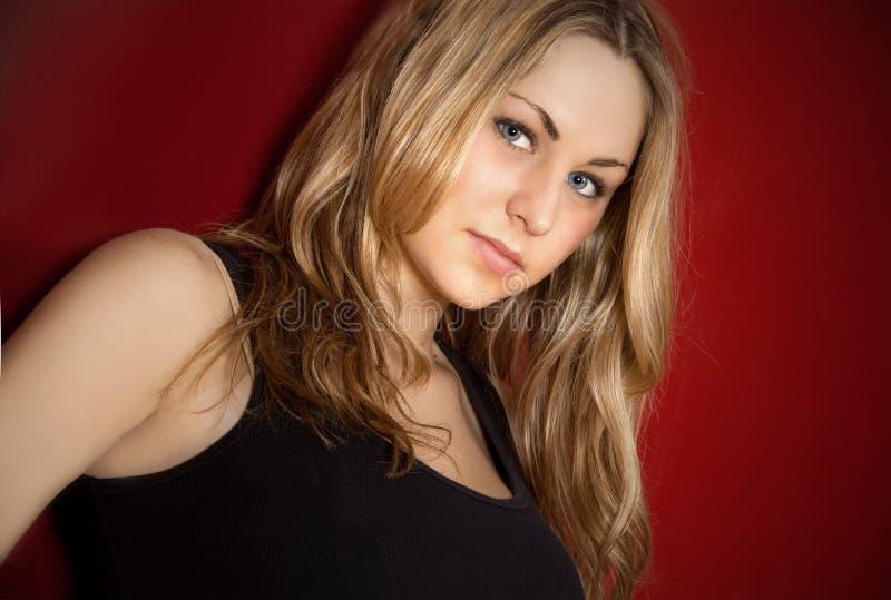 attraktiv blond kvinnlig arkivbild