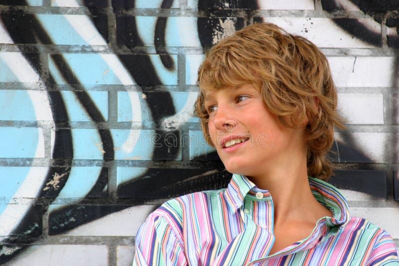 attraktiv blond pojke royaltyfria foton