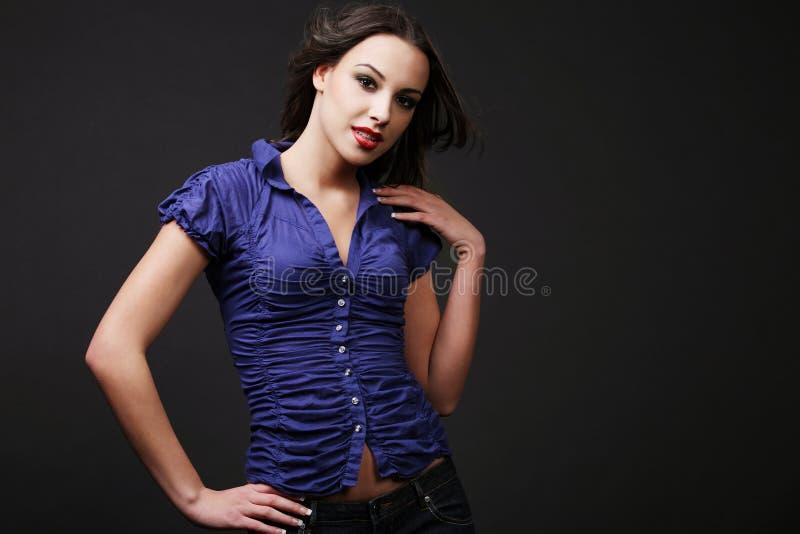 attraktiv brunett royaltyfri bild