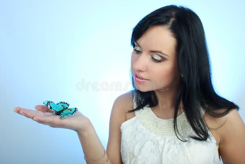 attraktiv fjärilskvinna royaltyfria foton
