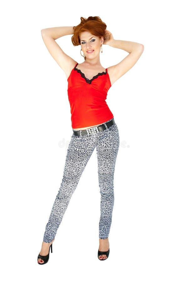 attraktiv haired röd plattform kvinna royaltyfria foton