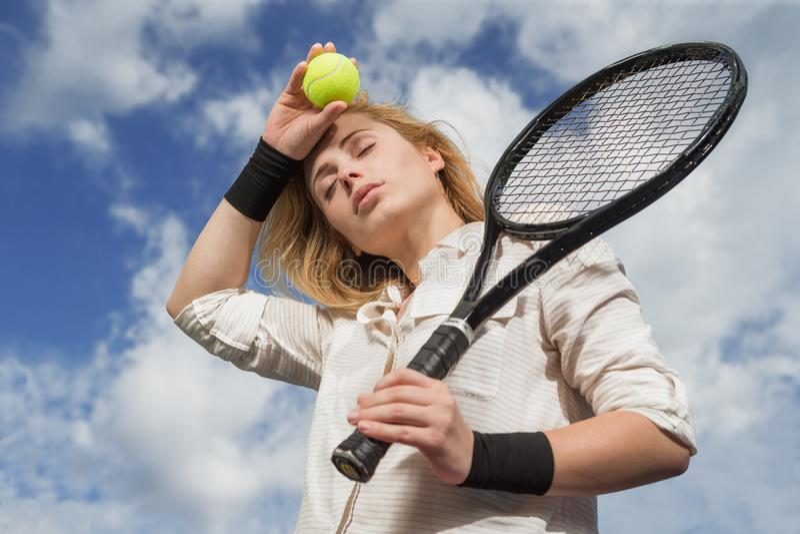 attraktiv kvinnligspelaretennis arkivfoton