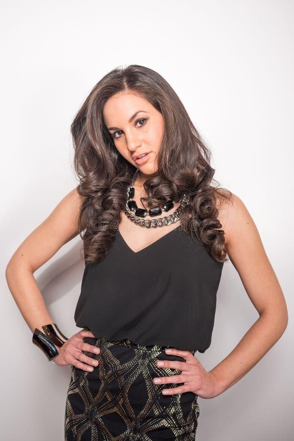 Attraktiv modell för svart hår royaltyfria foton