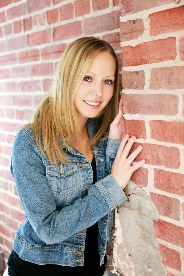 attraktiv tonåring arkivfoto