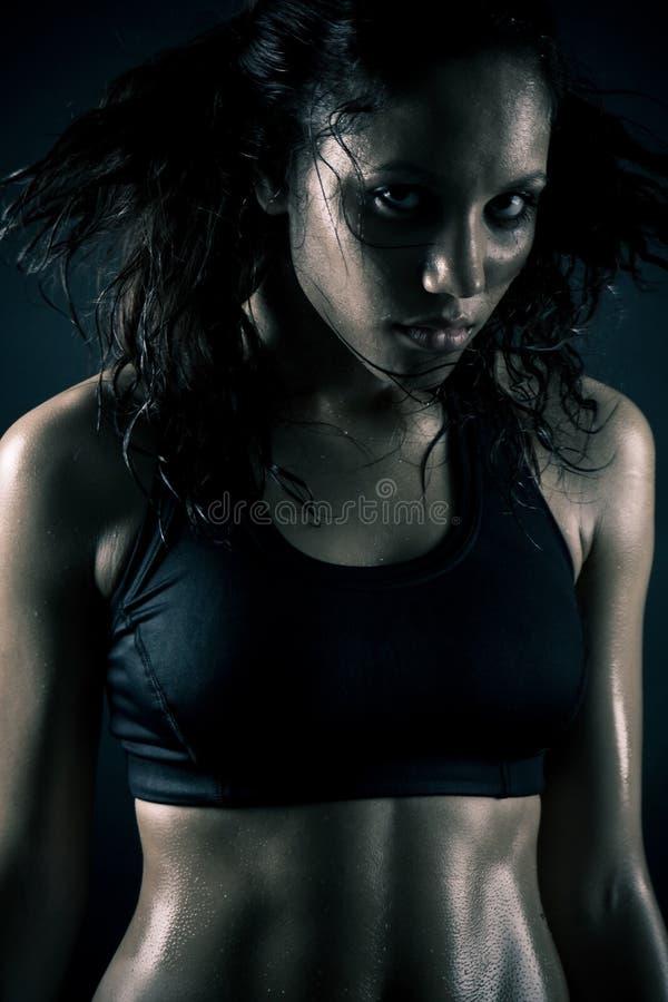 attraktiv ut kvinnaworking royaltyfria foton