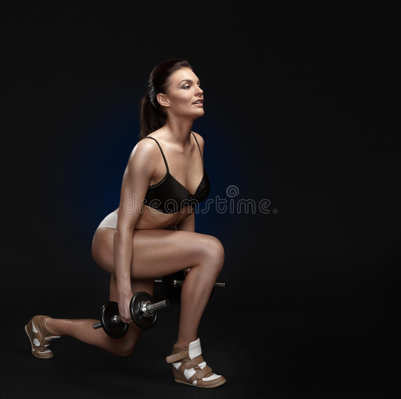 attraktiv ut kvinnaworking royaltyfri foto
