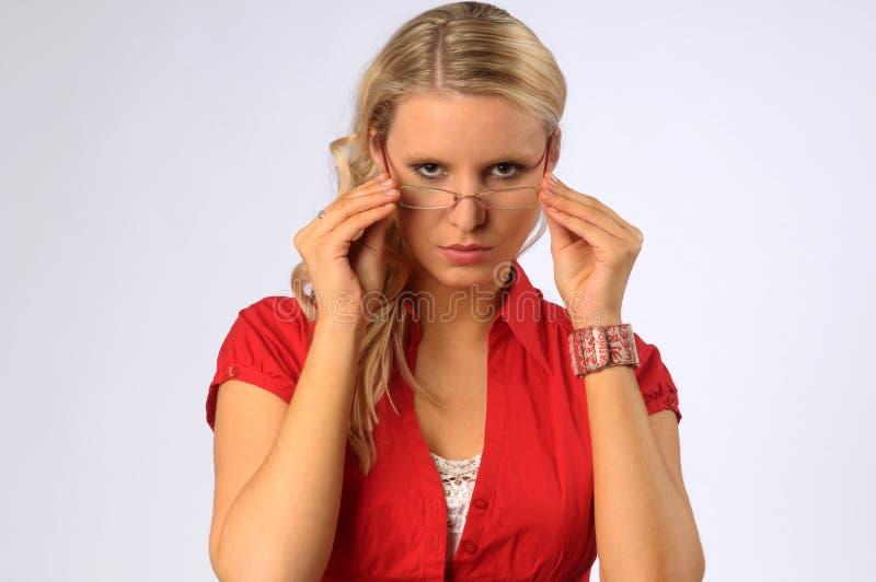 Attraktive blonde Frau stockfoto