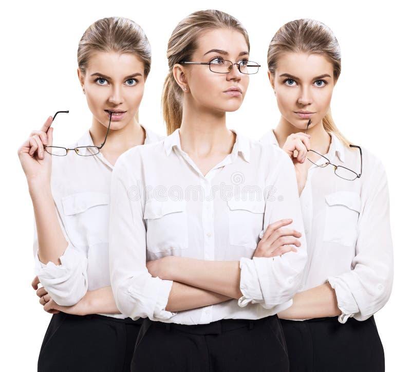 Attraktive Geschäftsfrau hält Gläser in den Händen stockfotografie