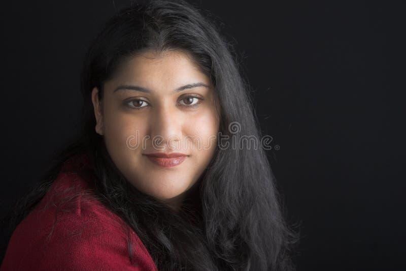 Attraktive indische Frau lizenzfreie stockbilder