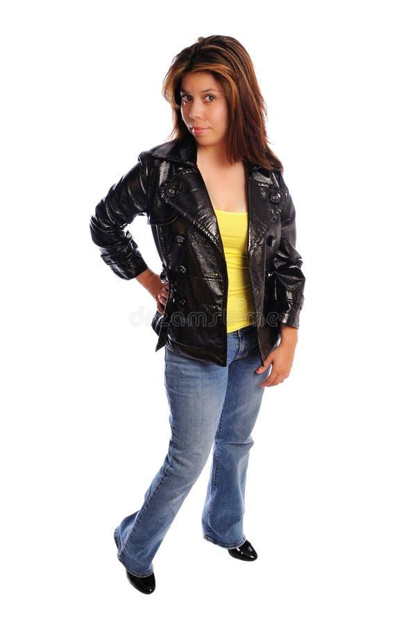 Attraktive junge Frau in einer Lederjacke stockfotos