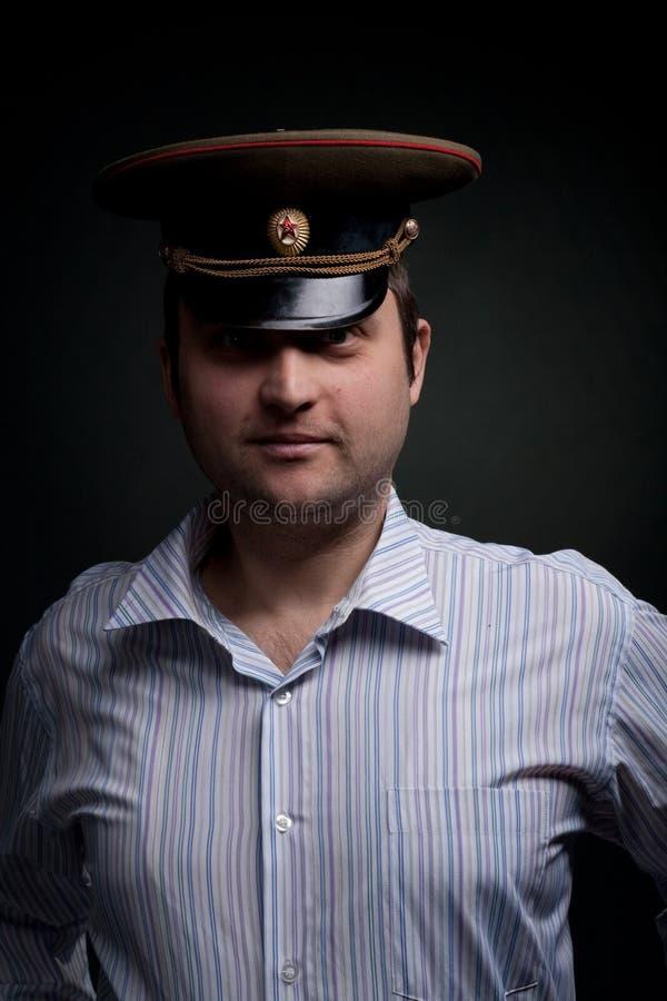 Attraktiver bärtiger Mann im Hut stockfoto