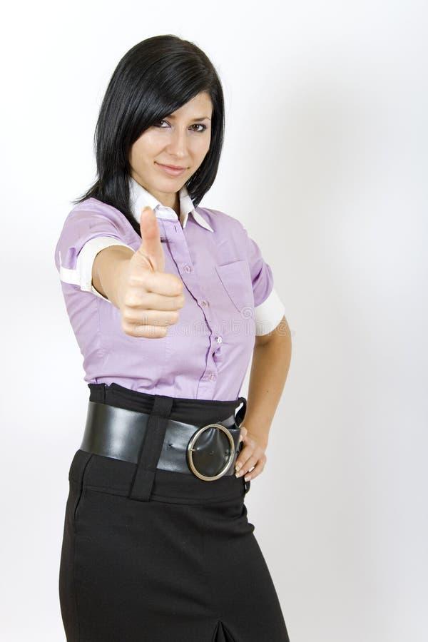 Attraktives Geschäftsfrau-O.K.zeichen lizenzfreie stockbilder
