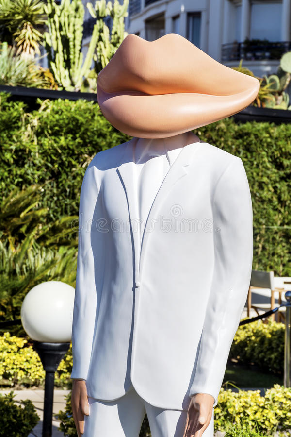Attrapp med munhuvudet i Cannes, Frankrike arkivfoton