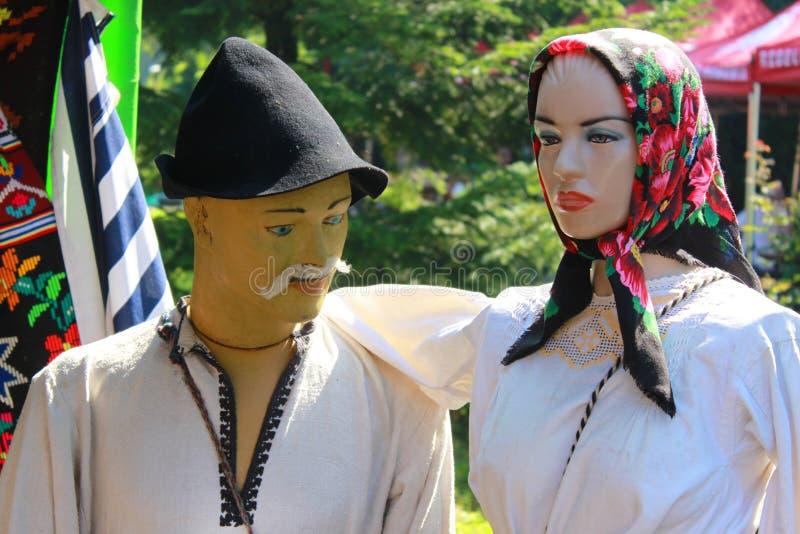 Attrappen gekleidet in der ländlichen Kleidung stockfoto