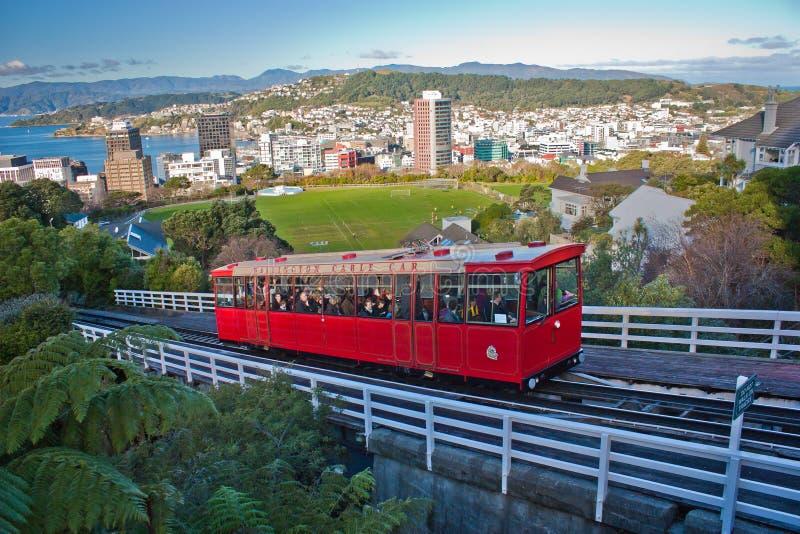 Attrazione turistica della cabina di funivia rossa a Wellington, Nuova Zelanda immagine stock libera da diritti