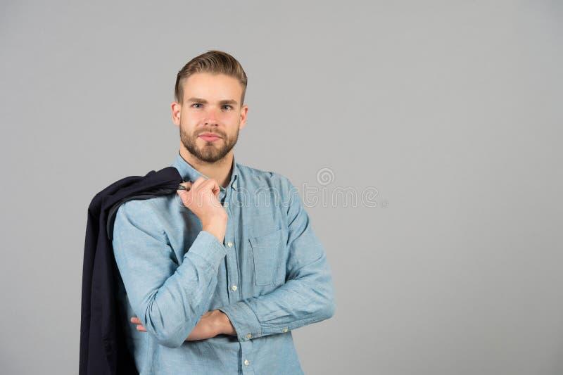 Attrezzatura casuale di affari Verifichi il mio stile Alla moda bello dell'uomo indossa il vestito casuale secondo il codice di a fotografia stock