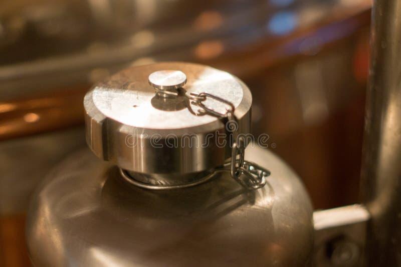 Attrezzatura della fabbrica di birra della birra fotografia stock