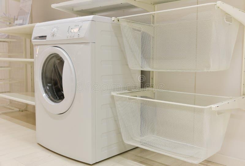 Attrezzatura della stanza di lavanderia immagine stock libera da diritti